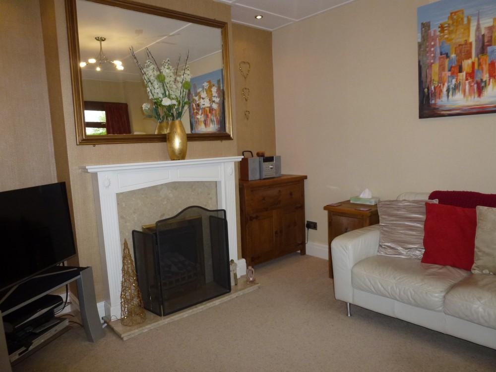 Lounge Pic 1