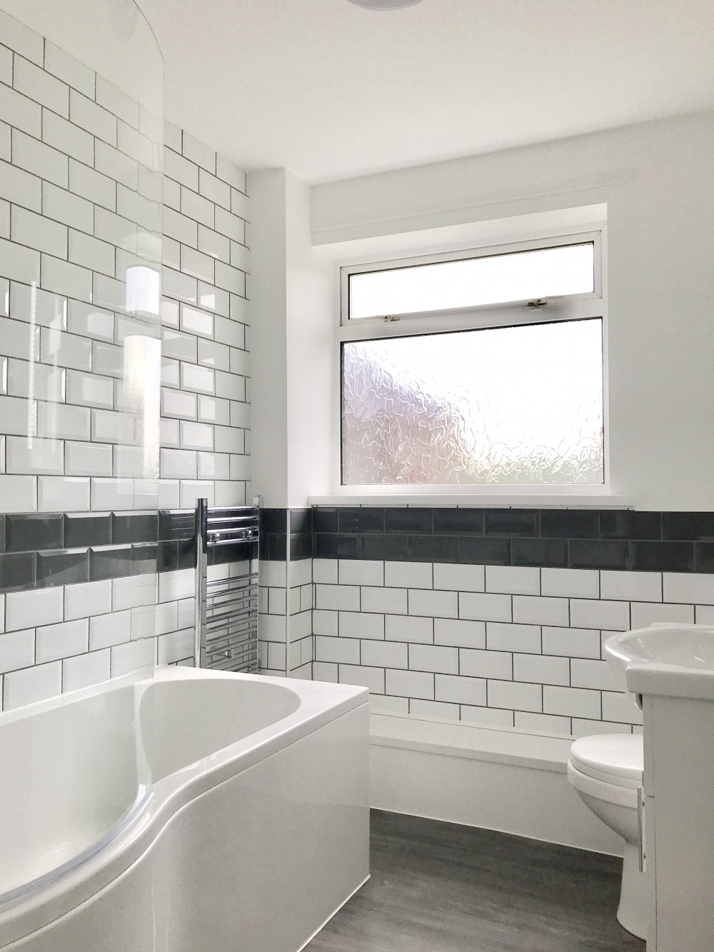 bathroom pic 3